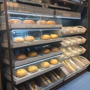 shelves& shopfitting-bakery