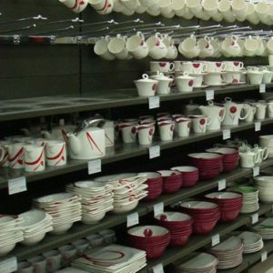 shelves&shopfitting- houselold&kitchenware